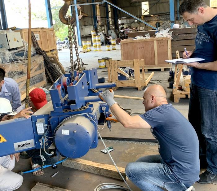 Nhà cung cấp Palant Bulgaria cử kỹ sư đến Nhà Máy Nam Việt kiểm tra chất lượng palant, chạy thử palant trước khi giao hàng lắp đặt tại công trường...